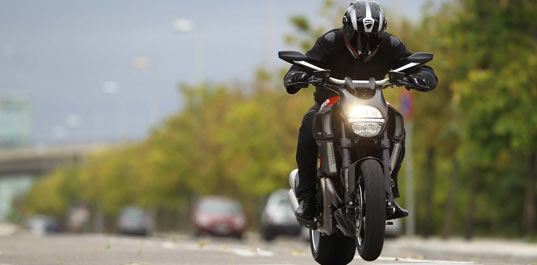 Ducati Diavel Carbon AMG Pictures