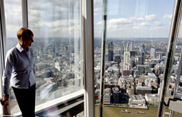 Lift ride in Shard - England