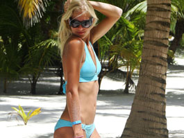 Darya Klishina in hot blue bikini